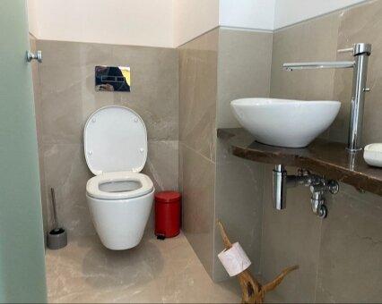 שירותים מקלחת משופצים